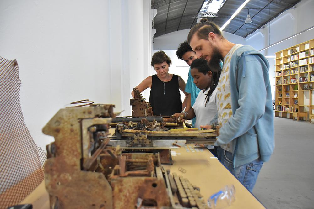 Gambiarra Lab (29.04.2016) Por Douglas Lopes4.jpg