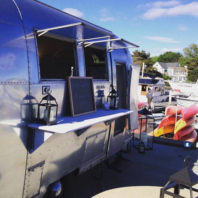 All shined up and ready for the #kportfest2016 #spiritofmaine #thecaravanmaine #localfood #eatlocal #shrimptime #kennebunkport #maine #chefs #summer #mainesummer #lovemaine #livemaine #igersmaine #airstream #airstyle