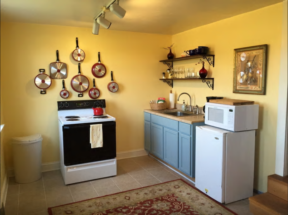cottage - kitchen.png