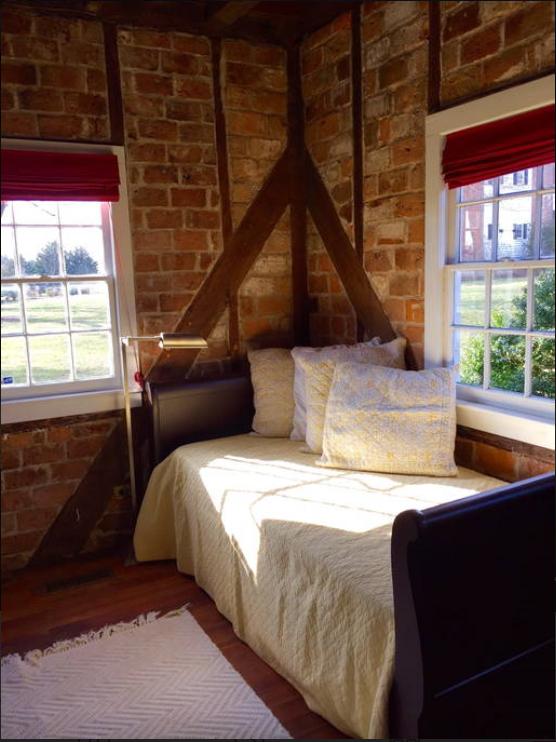 cottage room.png