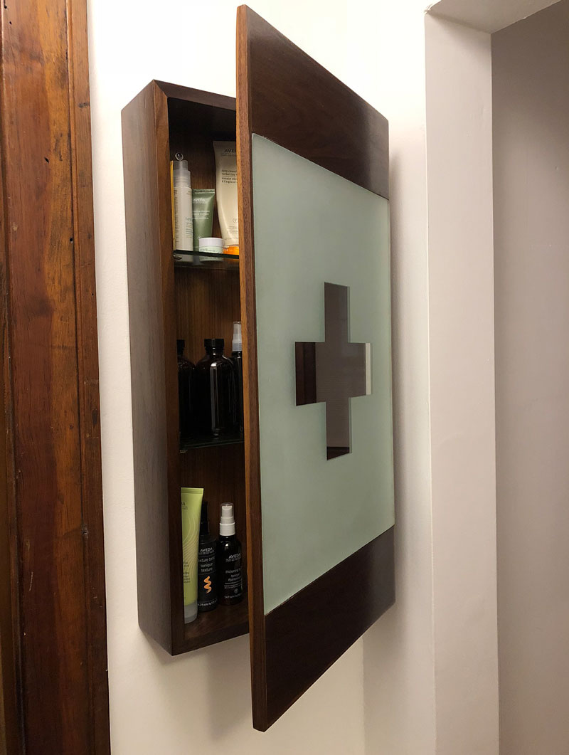 04_medicine-cabinet.jpg