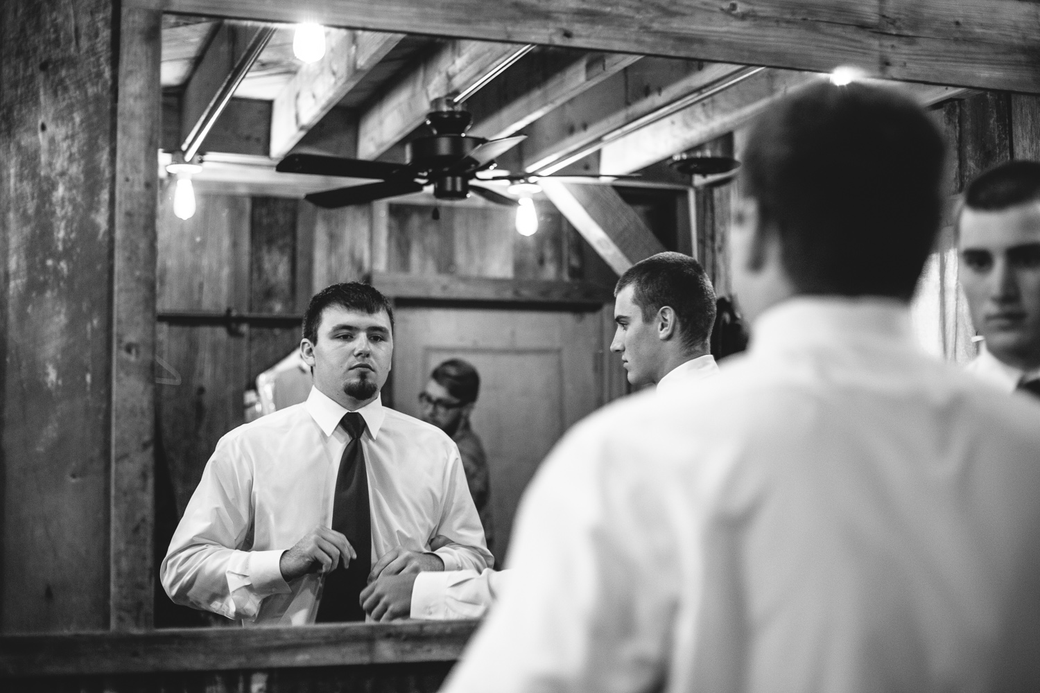 Gambrel Barn Wedding-04.jpg