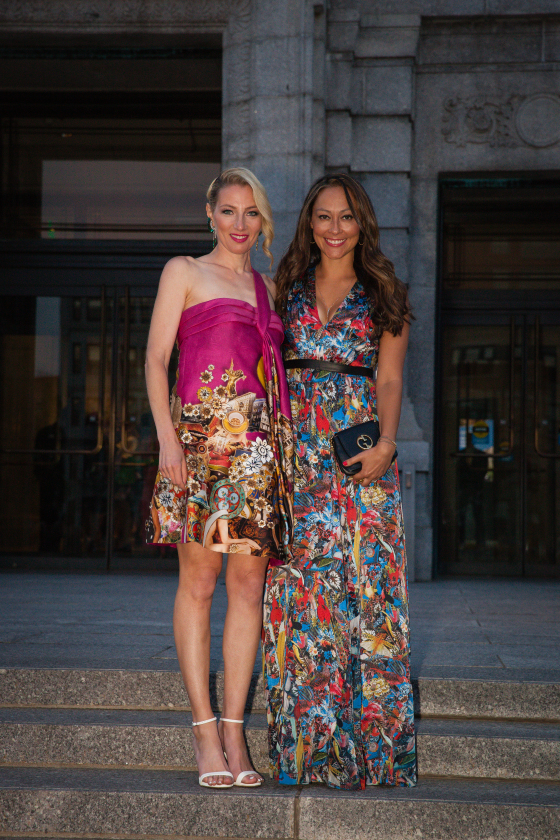 The MsFits are here! On Jessica, Alice and Olivia dress. Gucci bag. On Alisa, Versace dress. Arm candy, Jessica Diaz. :)