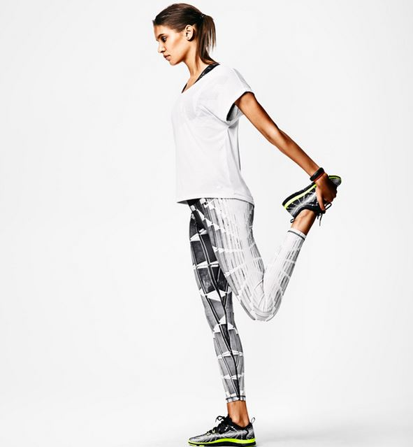 Nike Tight of the Moment and matching FlyKnit Sneaker