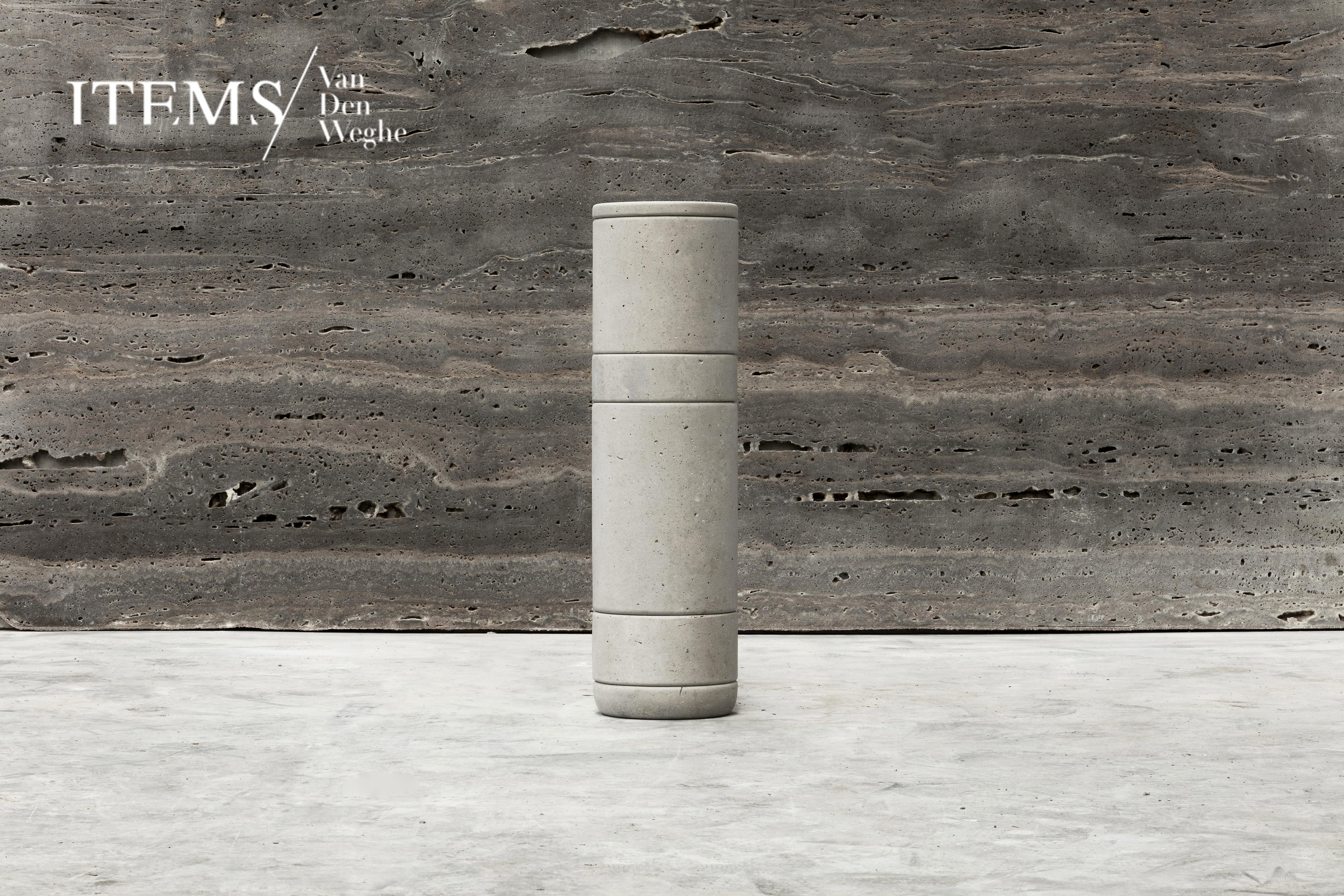 "COLLECTION PRIMITIF _ ""CURSUS"" / TOTEM SET OF JARS PRODUCED IN BELGIUM BY THE CRAFTMEN OF VAN DEN WEGHE / ITEMS _ CREDITS PHOTOS : ANNICK VERNIMMEN _ AYANTS DROITS PHOTOS : FRANCESCO BALZANO _ IN COLLABORATION WITH VALERIANE LAZARD"