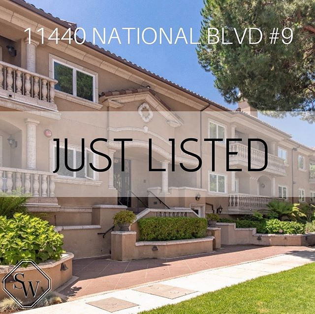 👀 Peep this 👀 Fabulous new penthouse lease listing by @jhawkhomes 2bd/2.5bth and over 1,900 sqft in the heart ❤️ of #MarVista walking distance to Whole Foods & Starbucks! In-unit laundry 🧺 , side by side parking # and luxury appliances! Listed for $4,700 #SheltonWilderGroup #WilderPossibilities #Condo #penthouse #mustsee #larealestate #agentsofcompass #WilderWomen