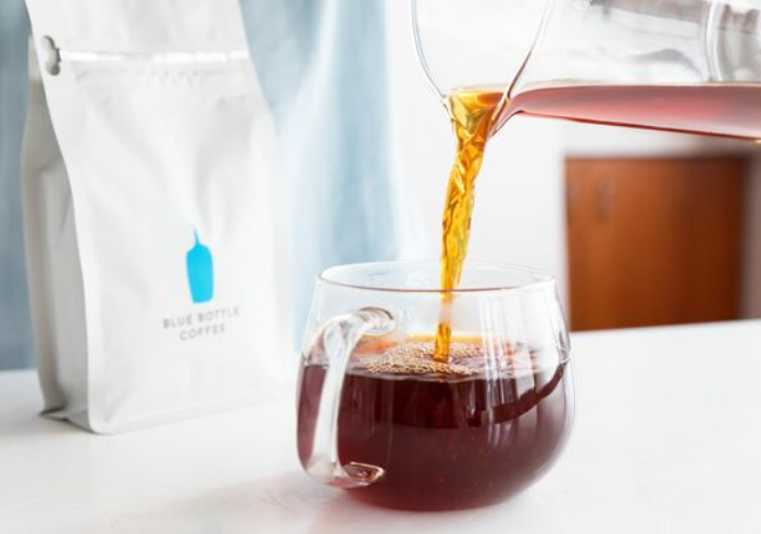 Blue Bottle Malibu - When you're driving up the coast, be sure to stop by Liz's favorite spot - Blue Bottle Malibu. Her favorite drink there is Cold Brew and Lemon Yuzu Fizz. Sounds so refreshing, right?!?!