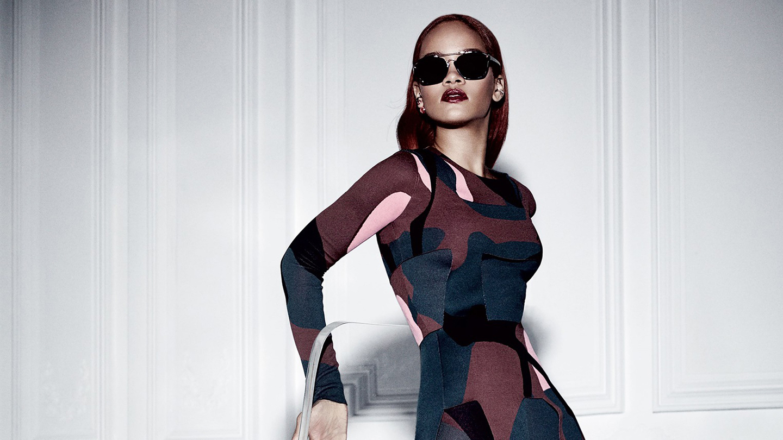 Rihanna-Dior-magazine-rihanna-38869852-1440-900.jpg