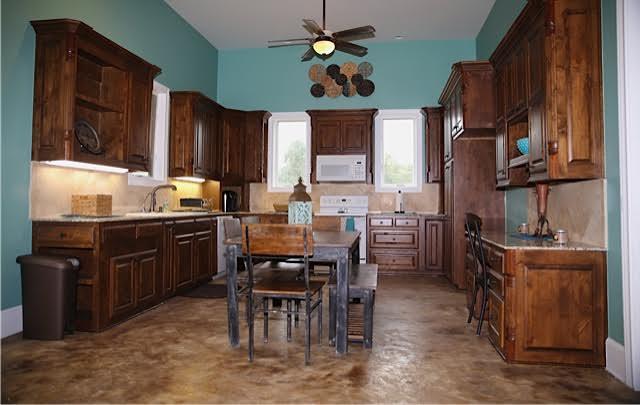 Hogar Kitchen.jpg