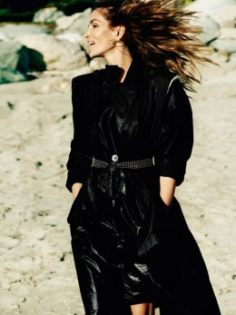 Cindy-Crawford-Kaia-Gerber-Vogue-Paris-April-2016-Cover-Photoshoot04.jpg