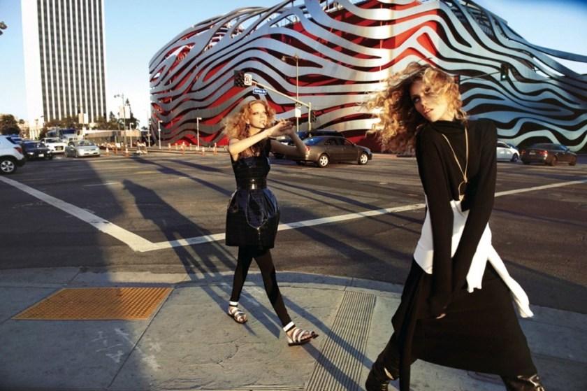 VOGUE-PARIS-Anja-Rubik-Lexi-Boling-by-Glen-Luchford.-Suzanne-Koller-October-2016-www.imageampli-2.jpeg
