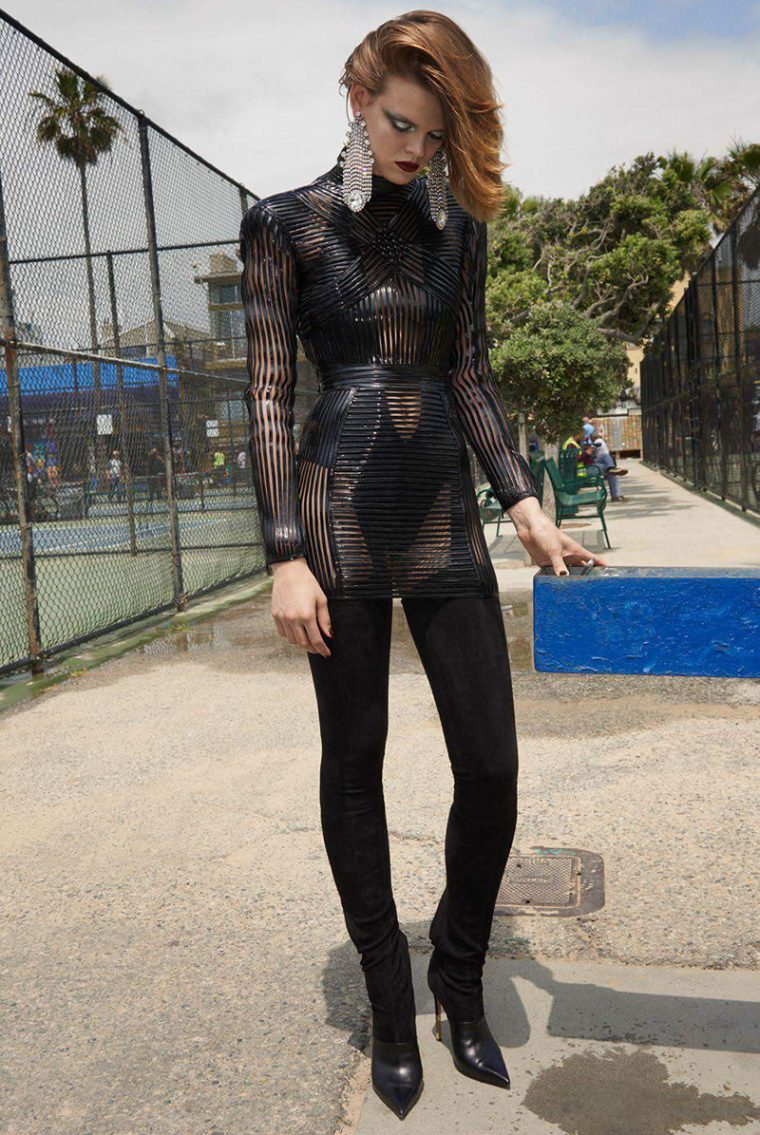 Cara-Taylor-by-Glen-Luchford-for-Vogue-Paris-October-2017-+(2).jpg