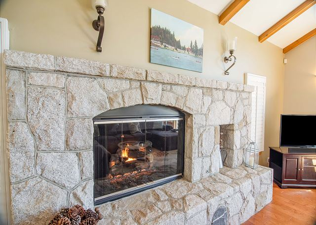 Arrowhead_Fireplace.jpg