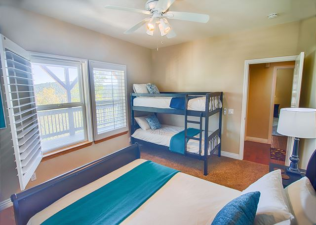 Arrowhead_Bedroom3.jpg