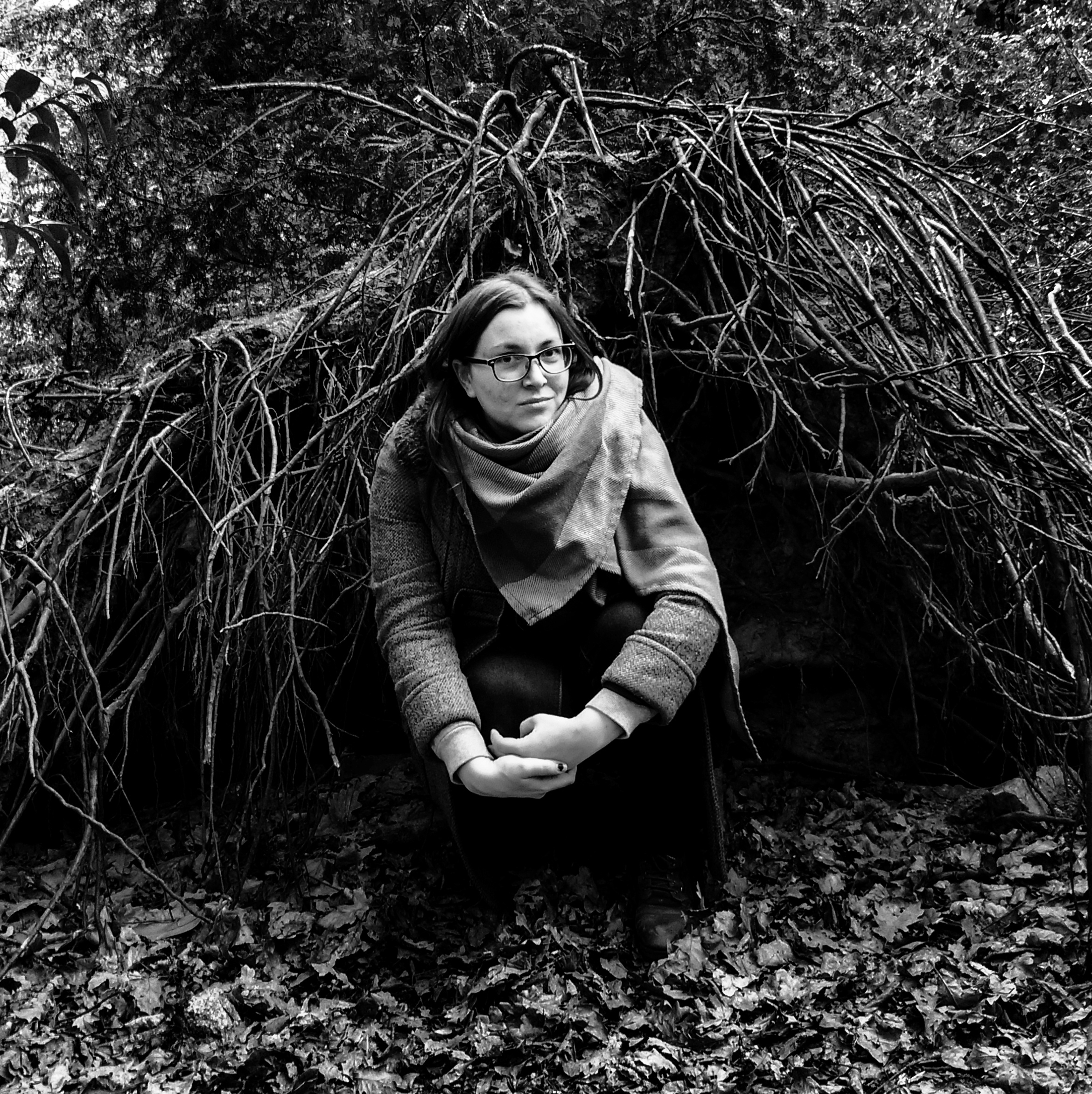 Dr Lee aka Talkingimo in the roots of a tree in Sydenham Hill Woods