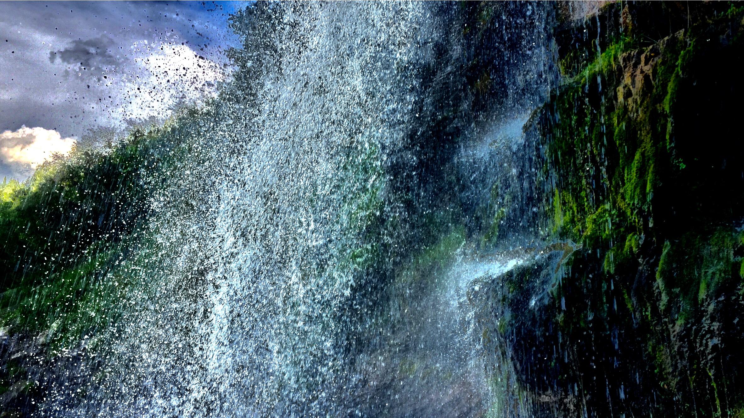 free-flow  ©  colin goedecke
