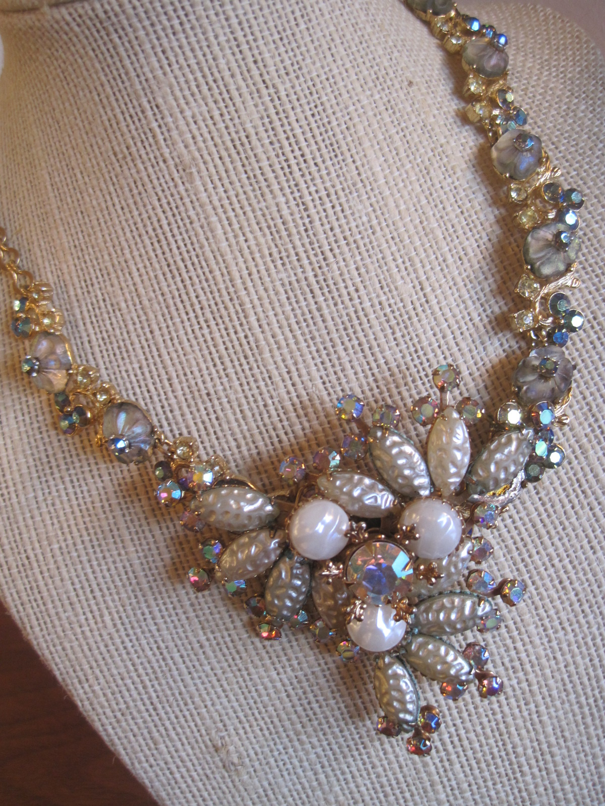 Necklace and earrings with vintage elements