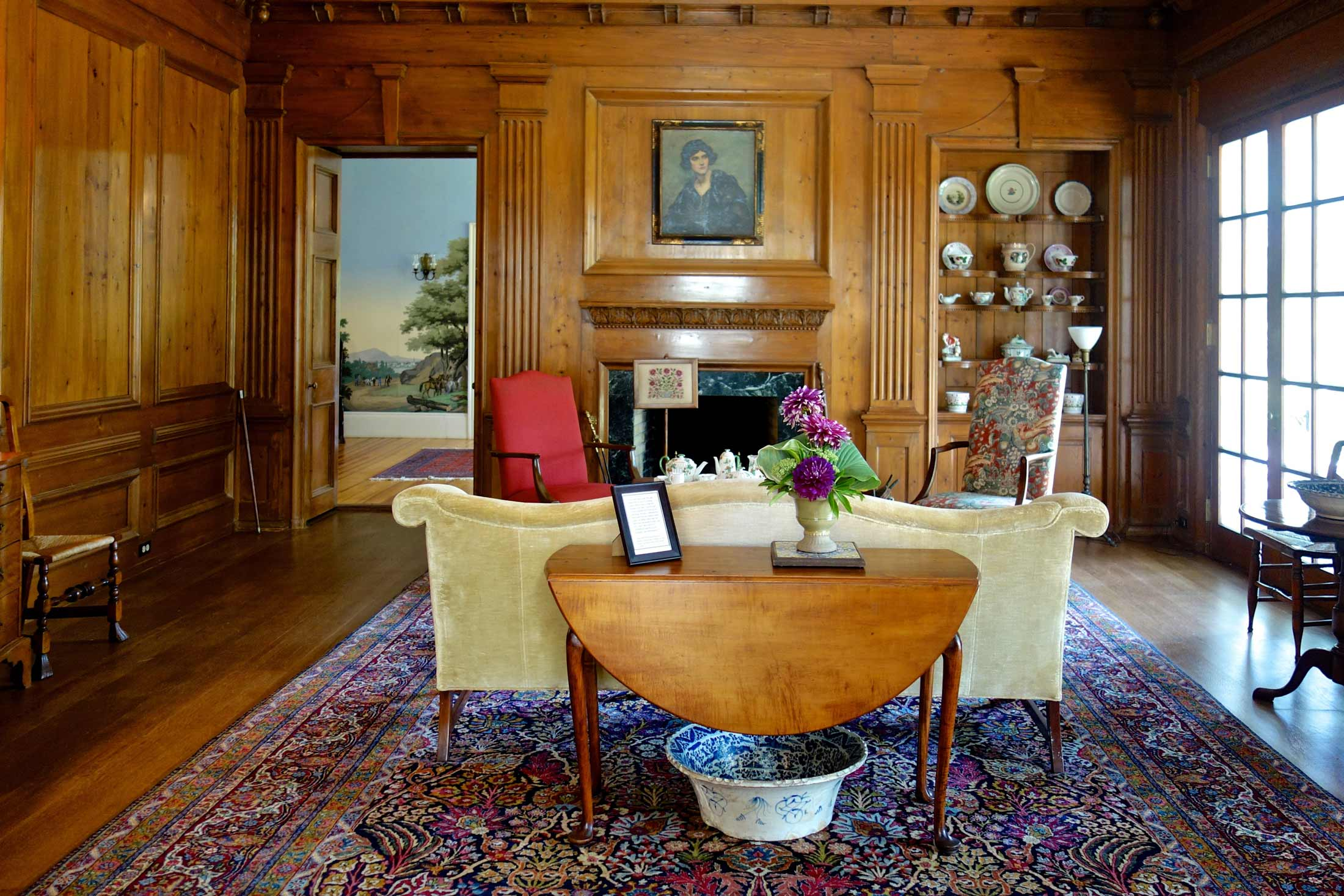 The-Fells-Estate-Sunapee-NH-sitting-room.jpg
