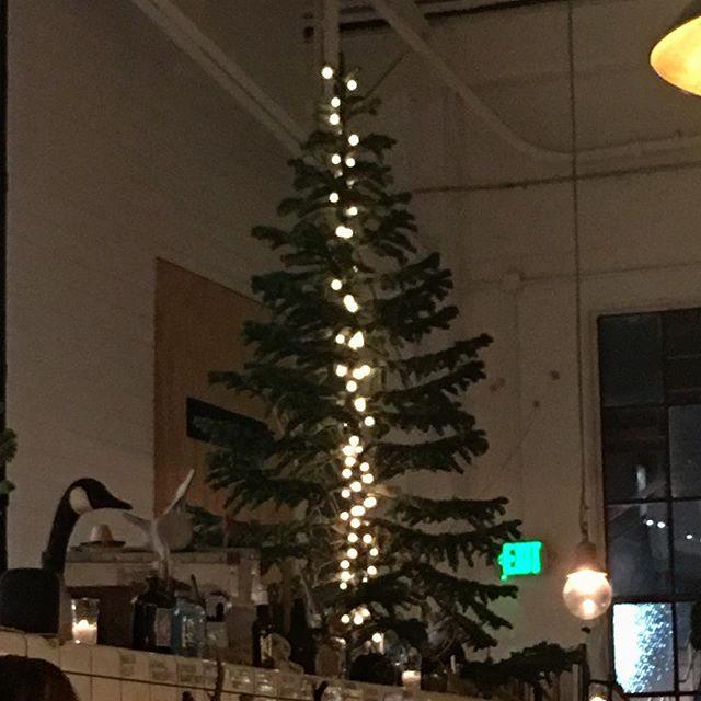 I love this tree!!! @radhaus_sf  #creative #art #light #radhaus #happyholidays #festive #felixgonzalestorres #kinda #sanfrancisco #tree #decorate #christmasspirit #happysolstice