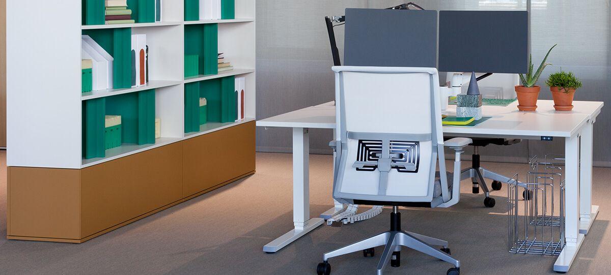 10-Zurich-Showrooms-Haworth furniture.jpg