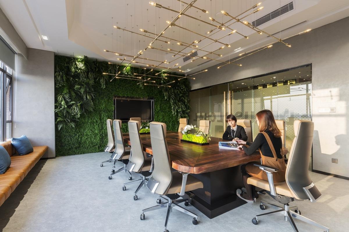 Dplus Global Offices - Guangzhou by Shenzhen Yixiang Space Design.jpg