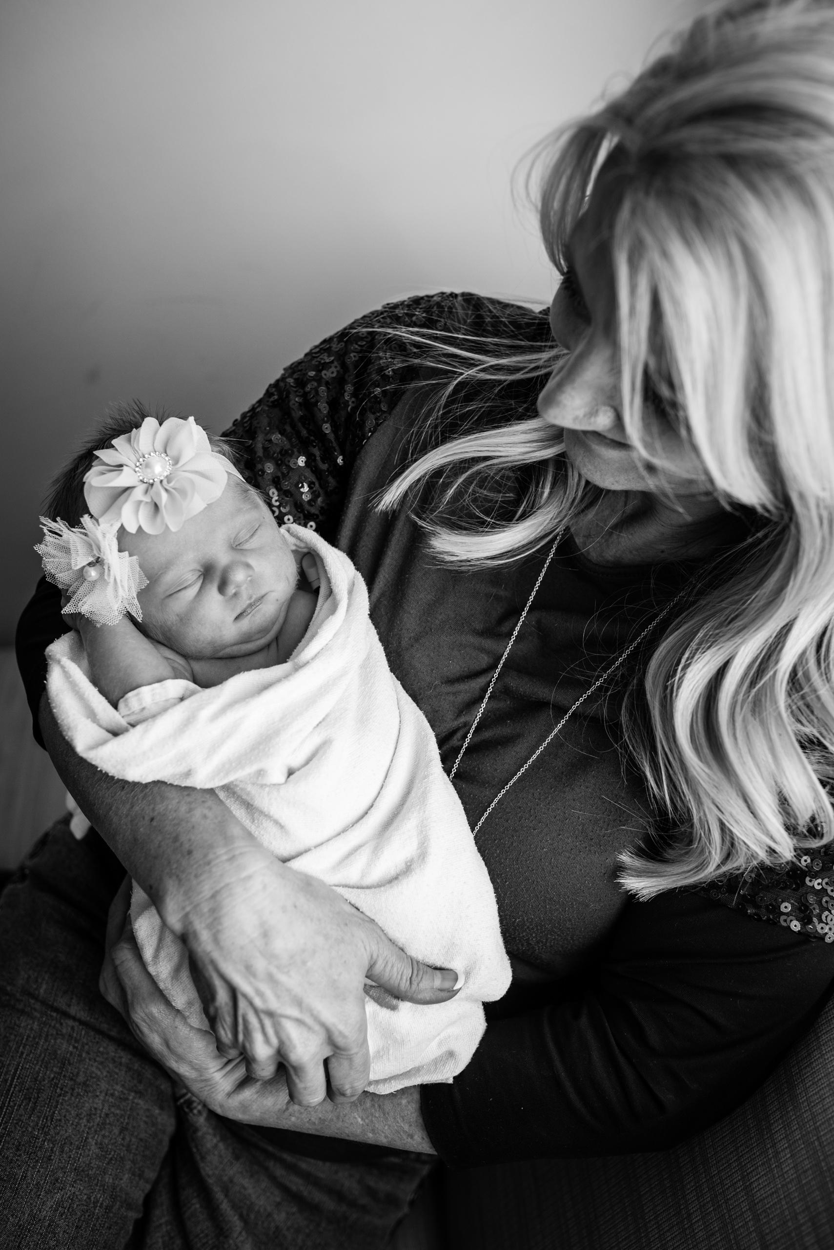 Mitchell Family newborns for blog-13.jpg