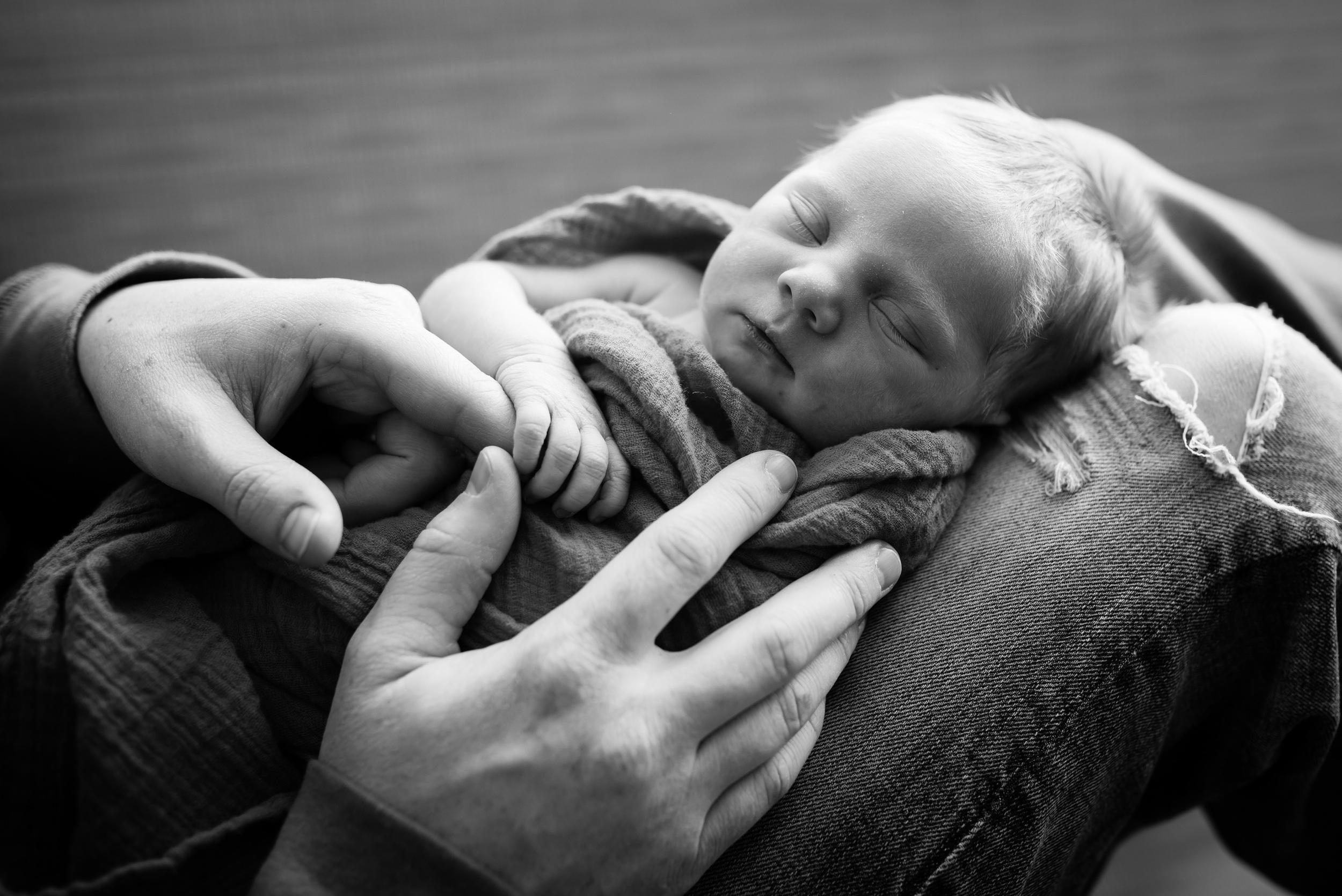 Mitchell Family newborns for blog-17.jpg