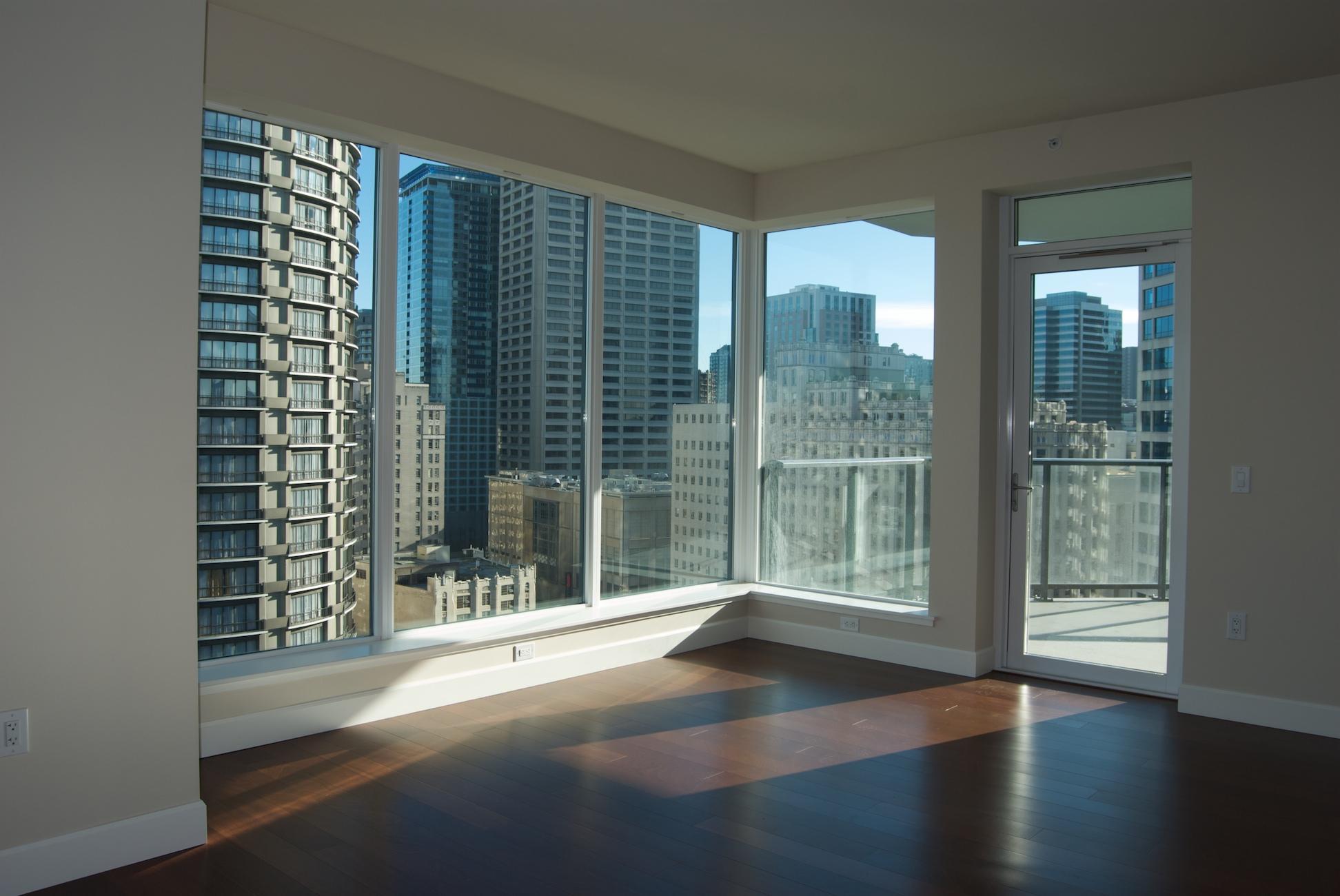 Suite 1508 Living room view.jpg