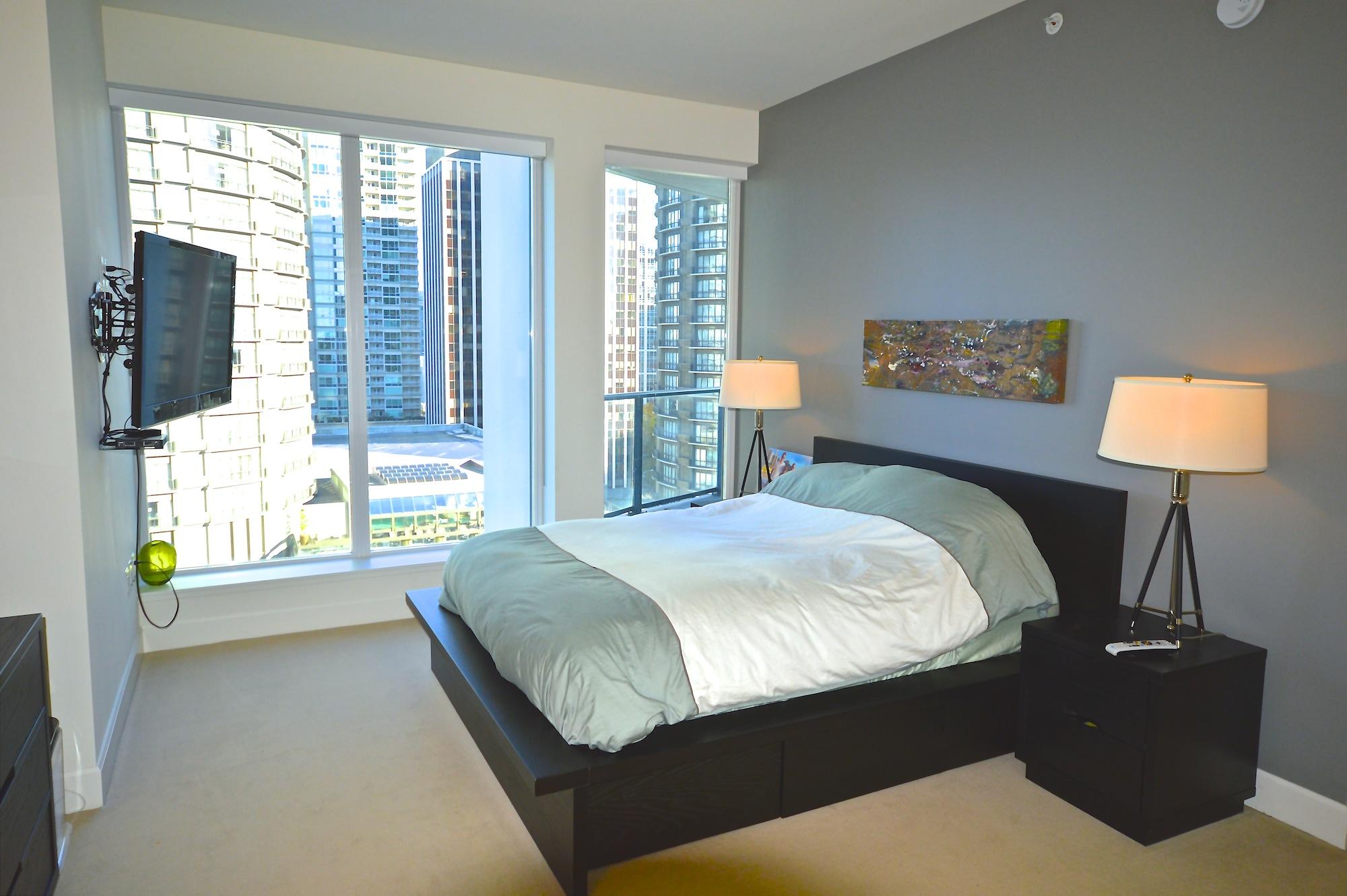 910 bed 1.jpg