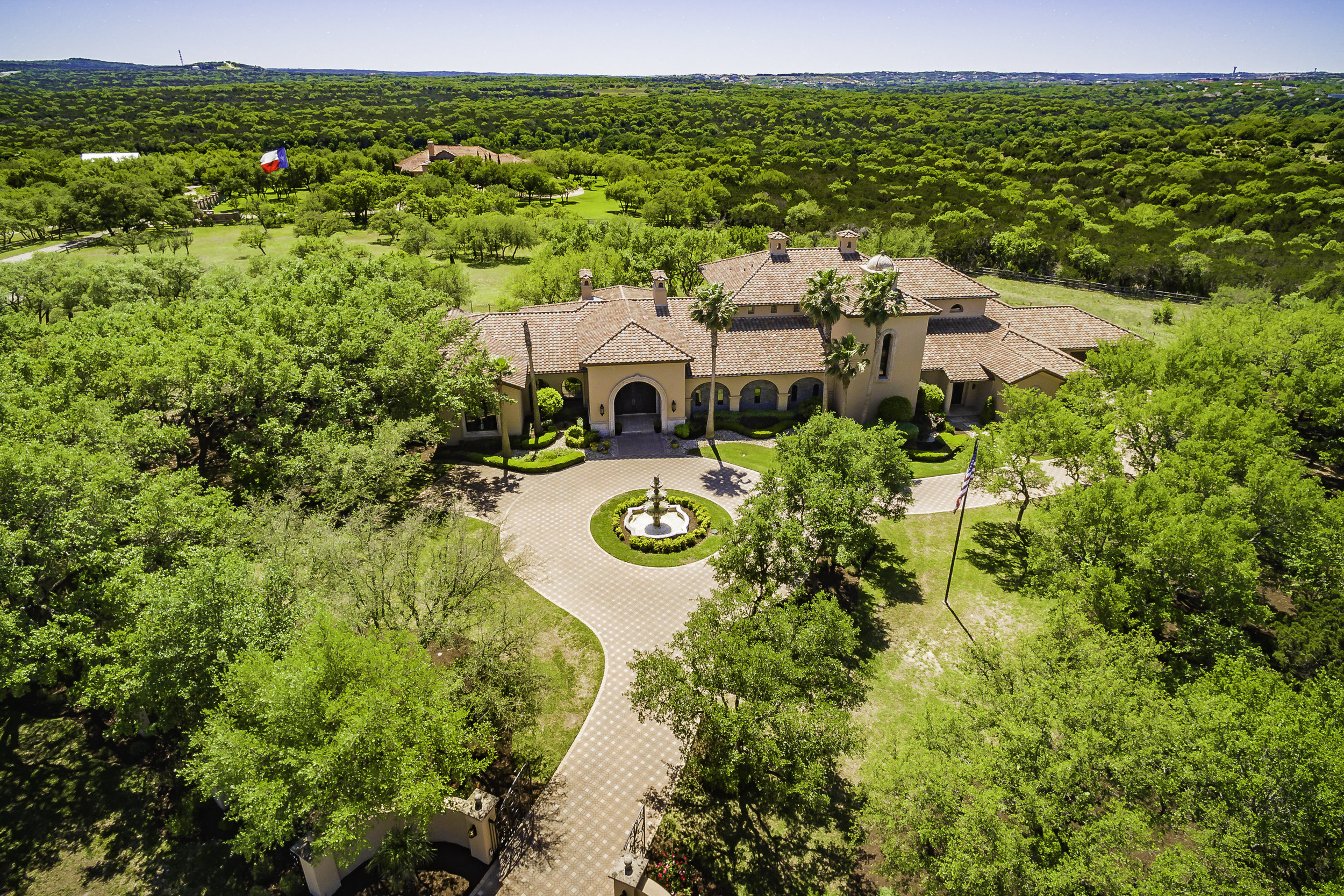 2502 Dominion Hill Aerial - Valerie DiFabio - April 2019-2.jpg