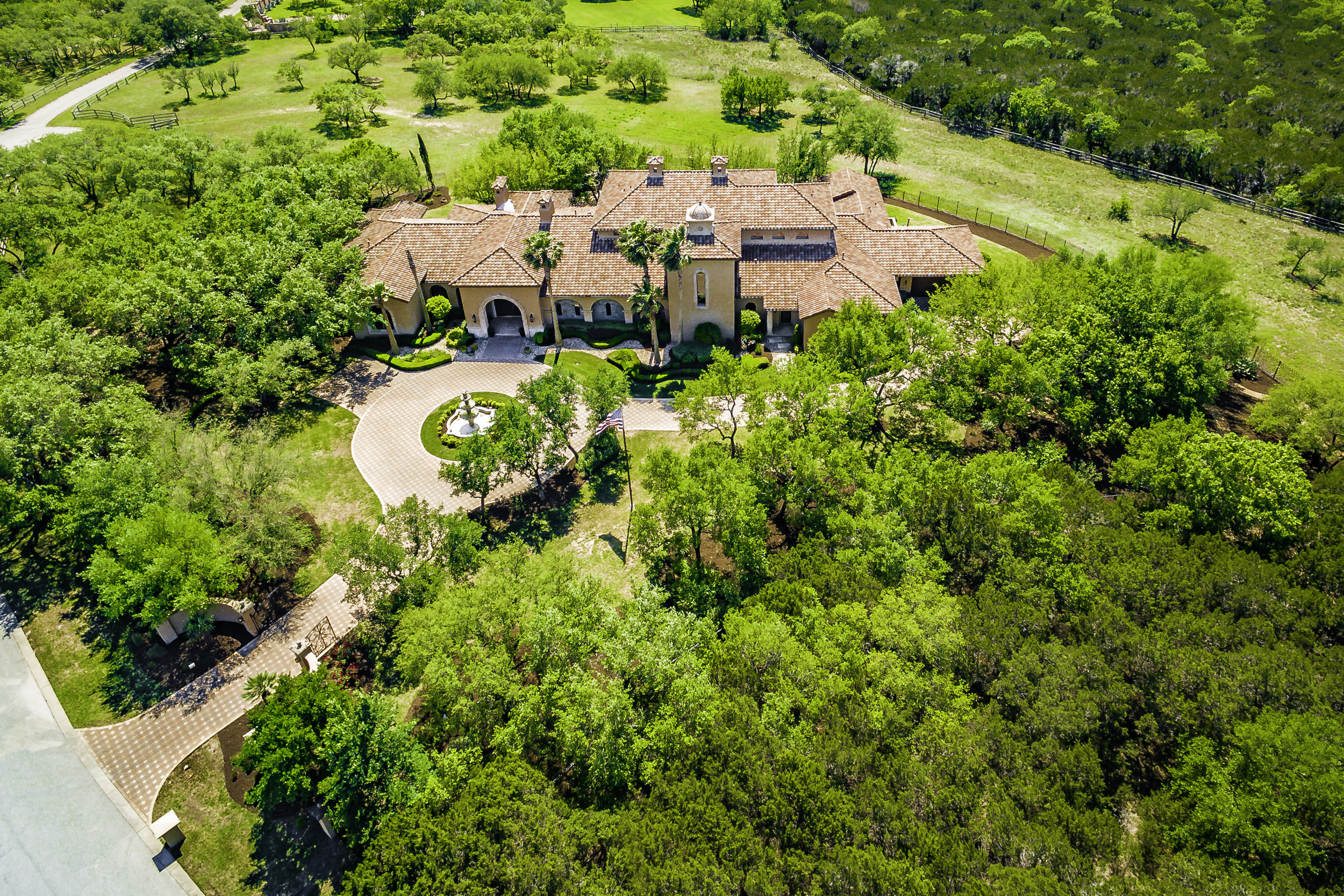 2502 Dominion Hill Aerial - Valerie DiFabio - April 2019-1.jpg