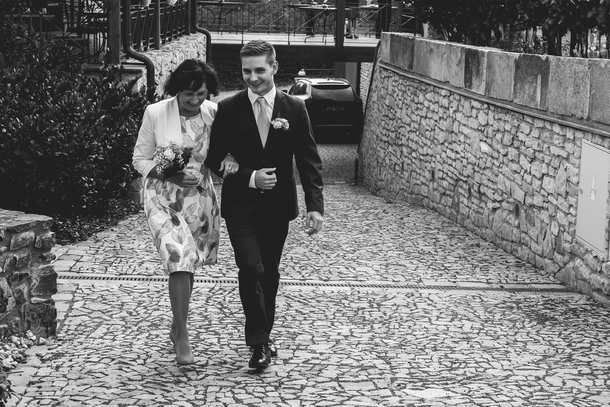Prague Wedding Photographer (30 of 112).jpg