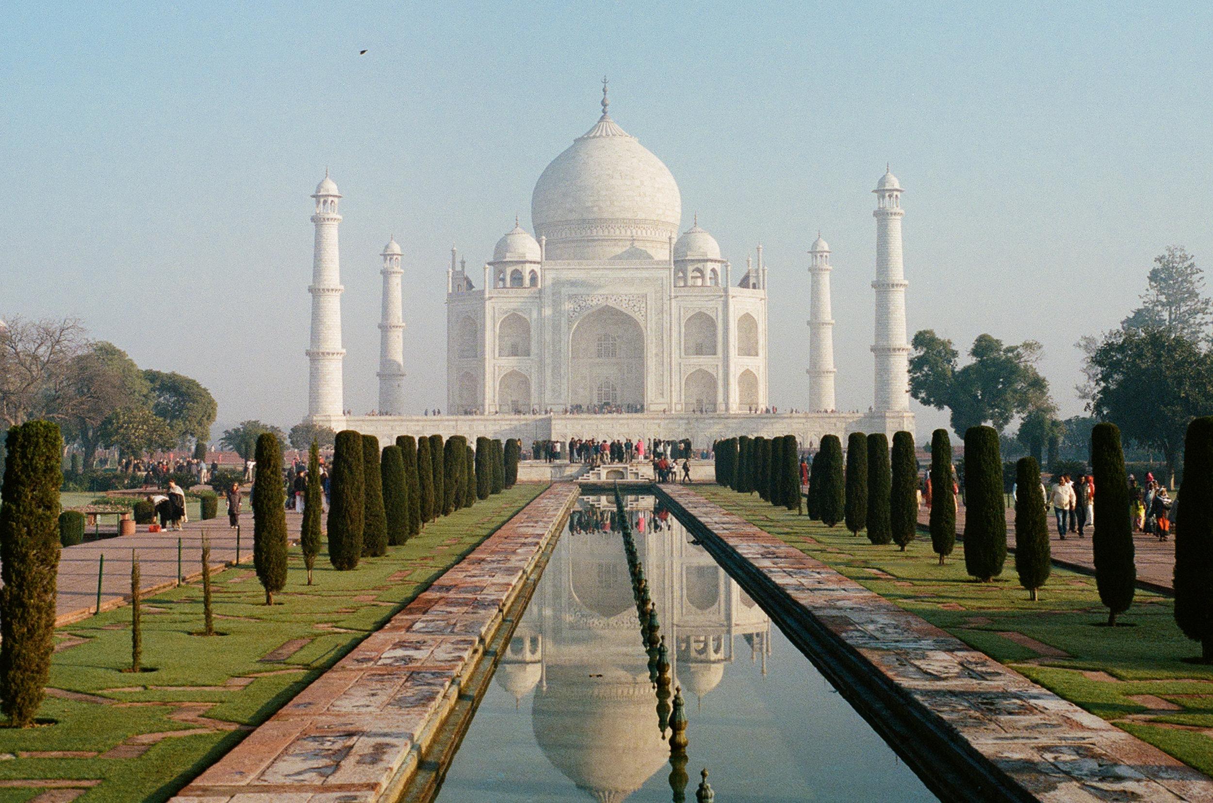 Taj Mahal Agra India Minolta X-700 Portra 400