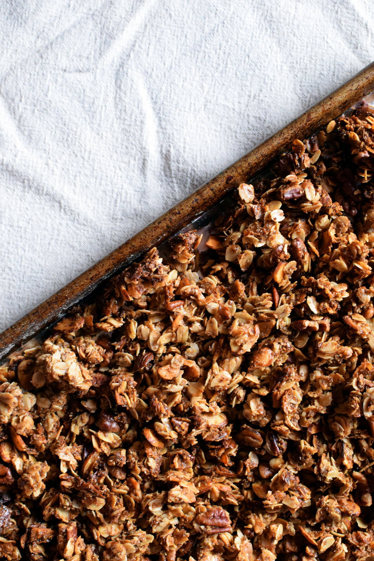 Homemade Granola is healthier and tastier than the sugary, store bought stuff. Plus it's SO easy! | themillennialmenu.com