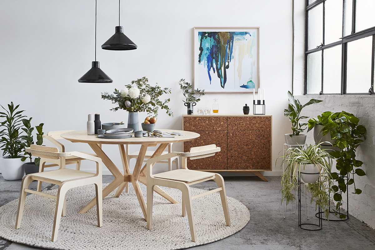 Mota dining chair, Kork buffet