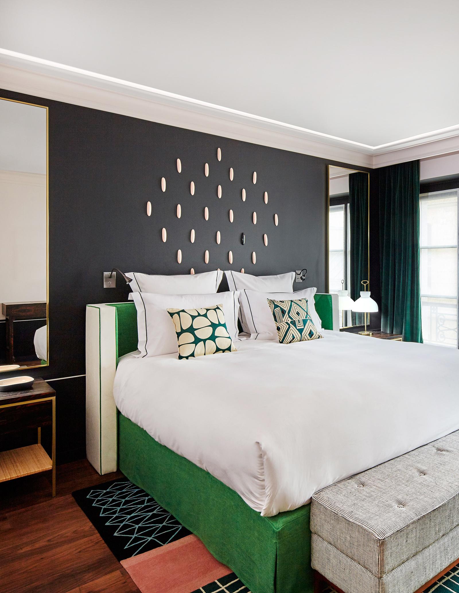 blog_le-roch-hotel-and-spa-prestige-room-v2-R-r.jpg