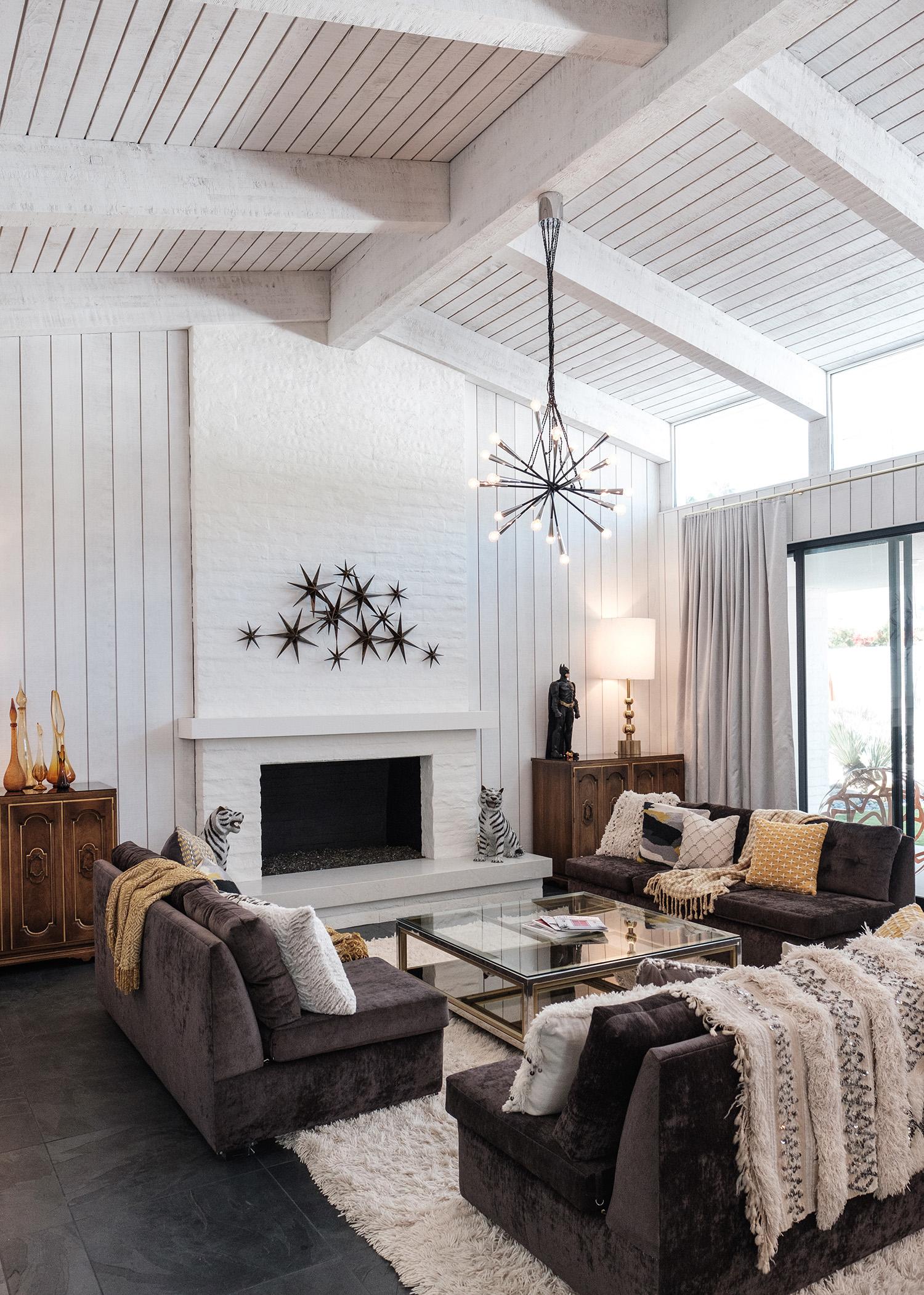 modernism_week_living_room-showcase_home_moroccan_modern.jpg