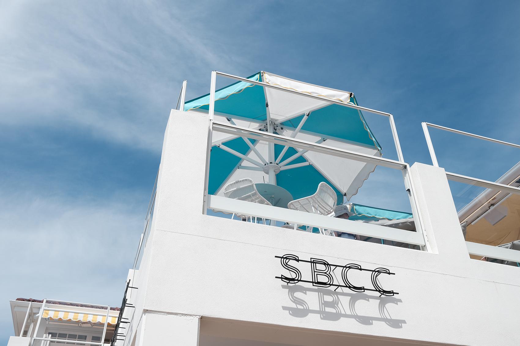 Shoal Bay Country Club_umbrella_beach_port_stephens.jpg