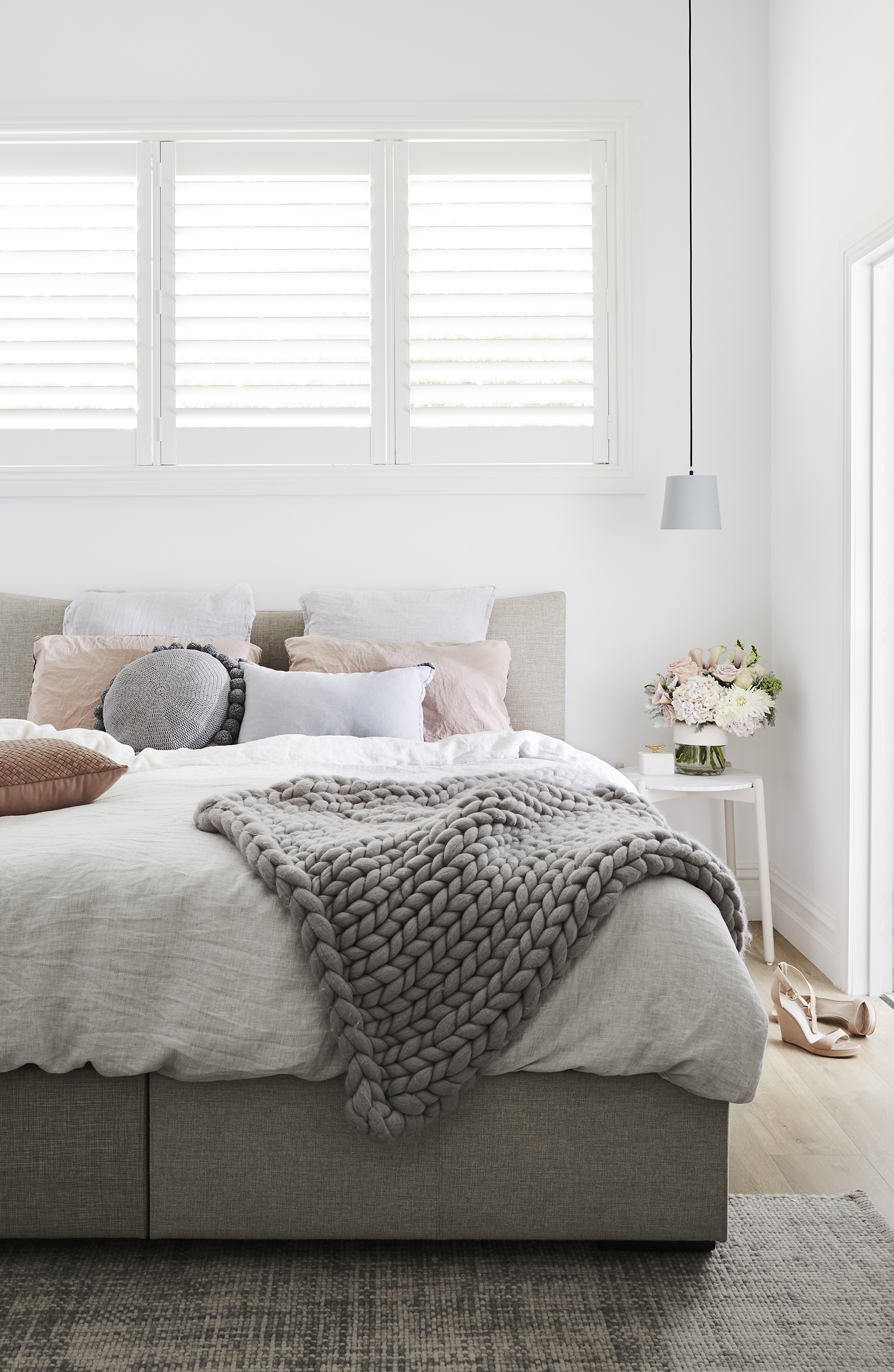 Photography   Annette O'Brien  /  Styling   Alana Langan  /  Interior design   Courtney Leslie
