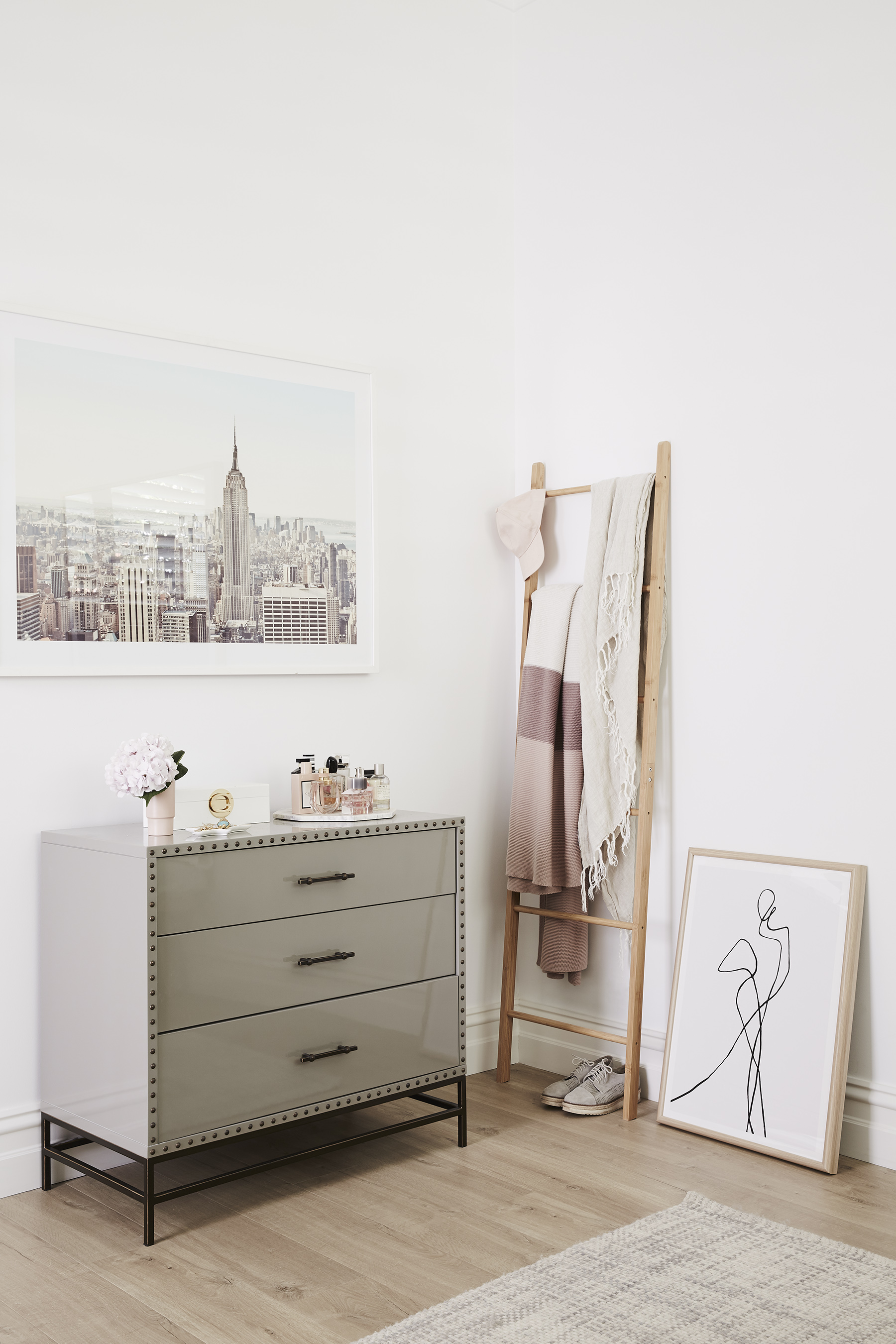Photography   Annette O'Brien  /  Photoshoot styling   Alana Langan  /  Interior design   Courtney Leslie