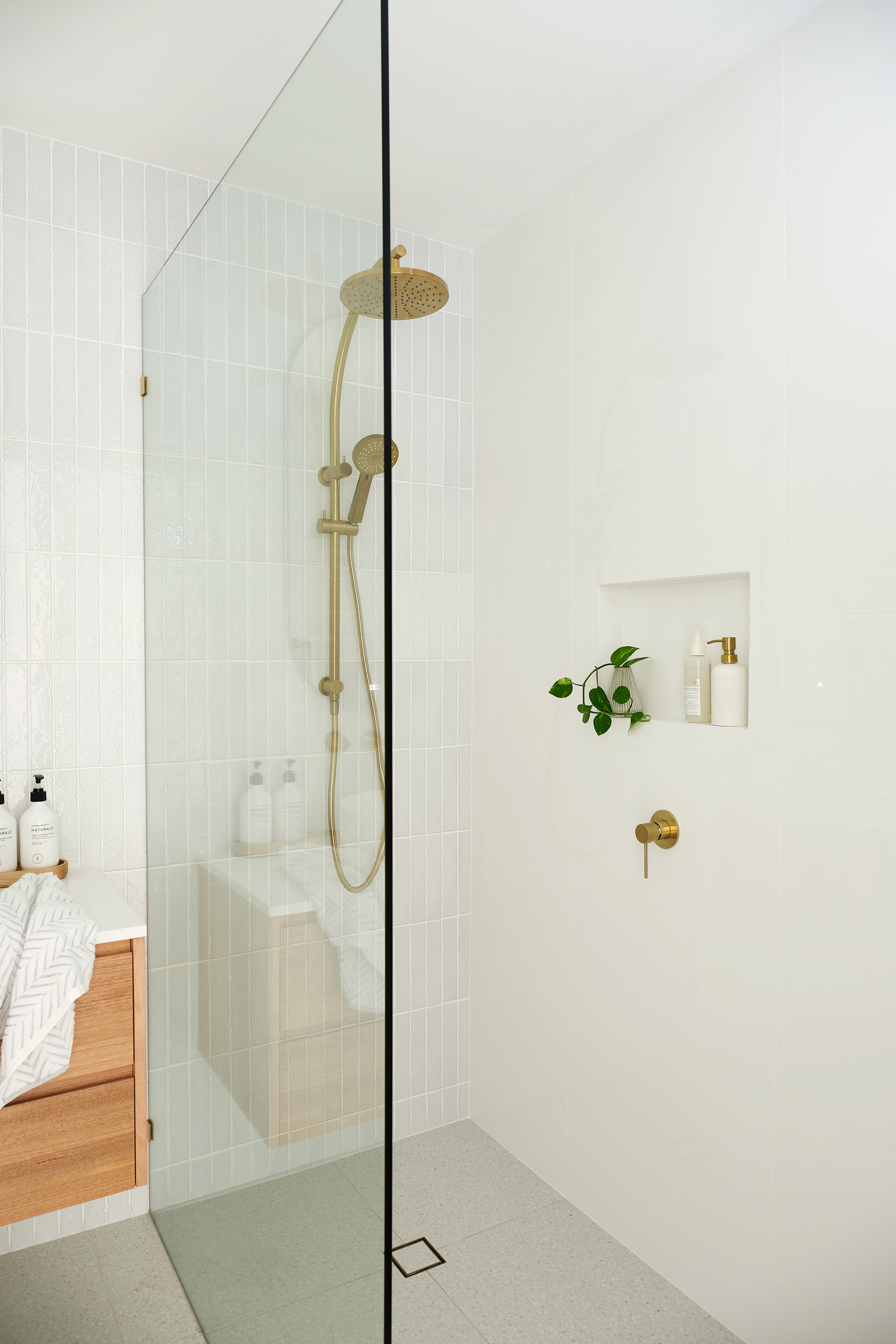 web_Adore_Home_Magazine_Bathroom_Reno_Loni_Parker4.jpg