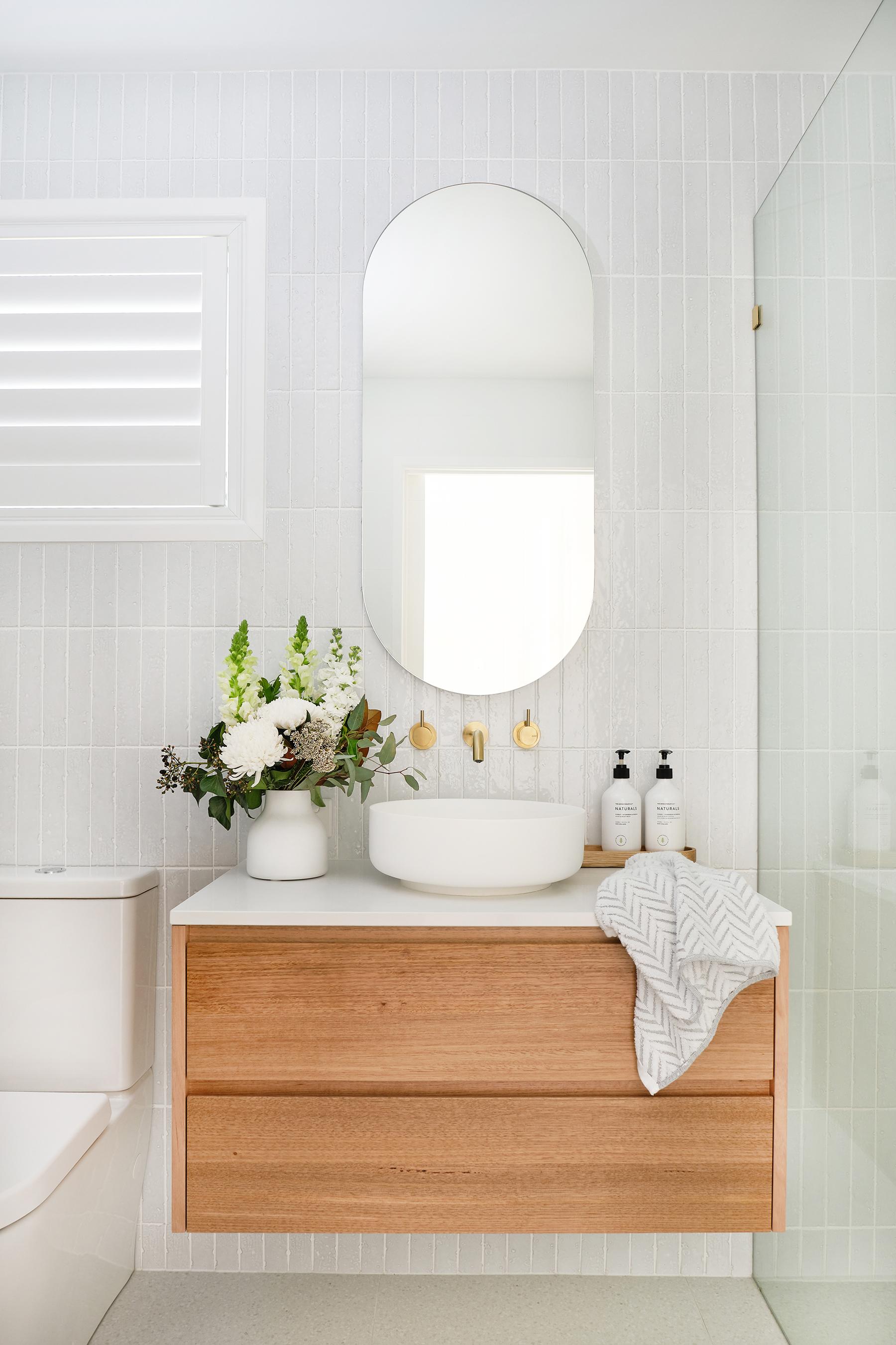 web_Adore_Bathroom_Front_2@zidsphoto.jpg
