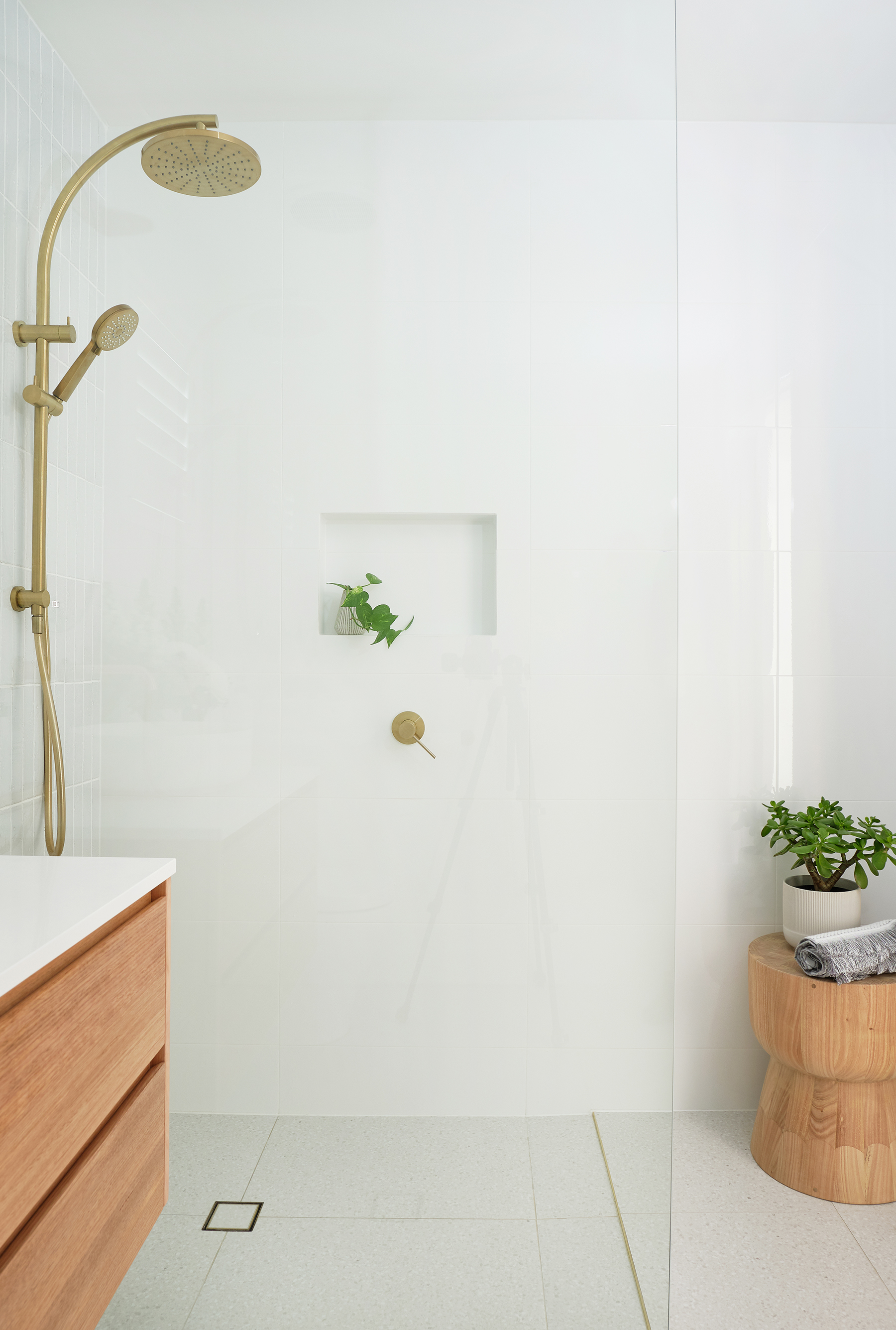 web_Adore_Bathroom_Shower@zidsphoto.jpg