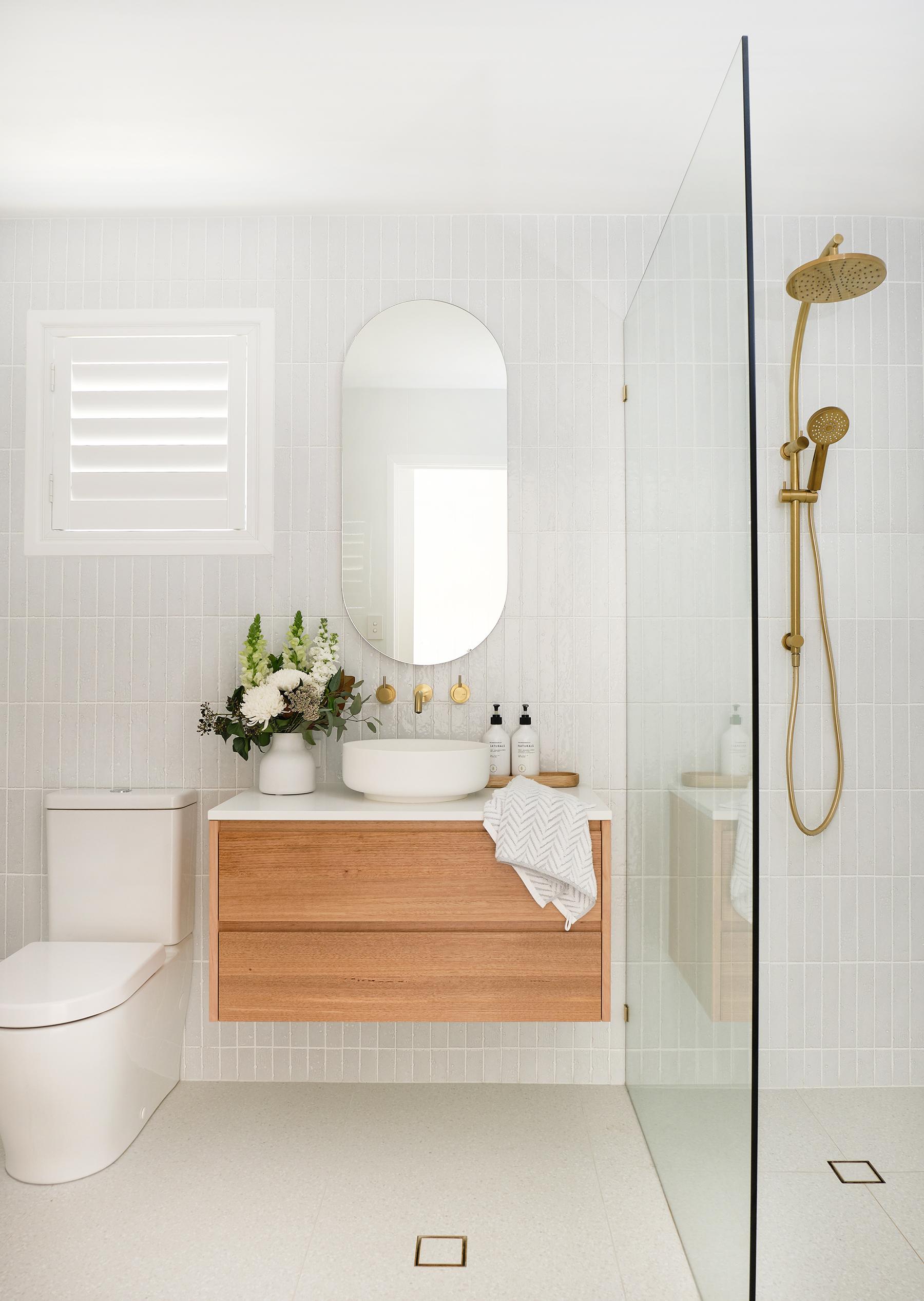 web_Adore_Bathroom_Front@zidsphoto.jpg