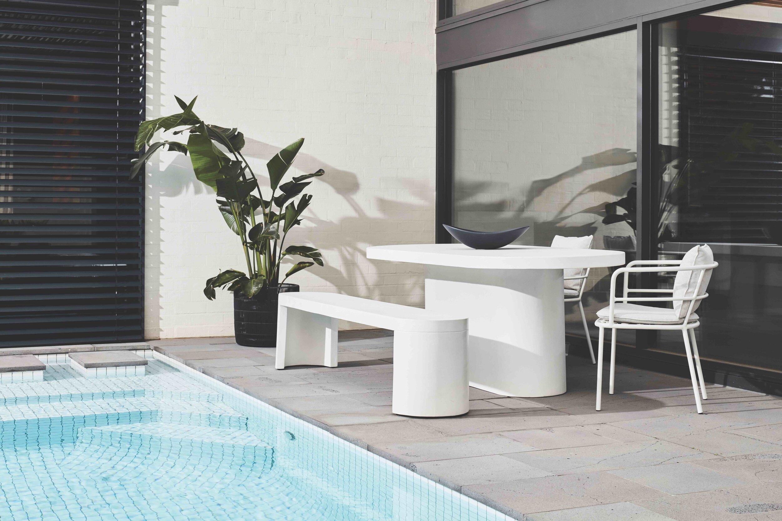 Ossa Oval DT-Ossa Bench-Lyon Chair - Landscape 2020.jpg