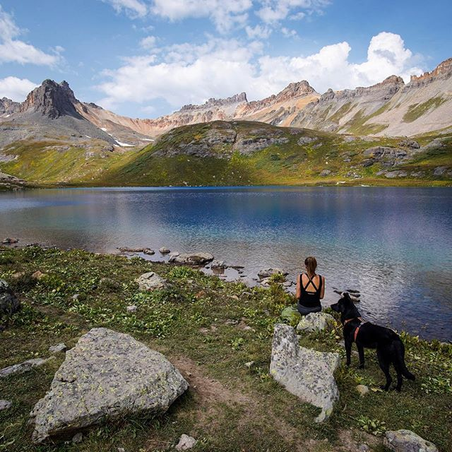 Alpine blues on our last big hike in Colorado. This state is simply unforgettable, with natural beauty around every turn. Can't wait to return, but for now we're back on the west coast 🚐💨🏔