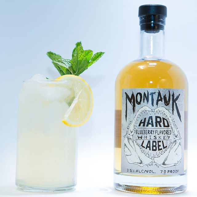 Get ready for summer with a nice blueberry lemonade. 📸@instacuban nice photo skills. #montaukhardlabel