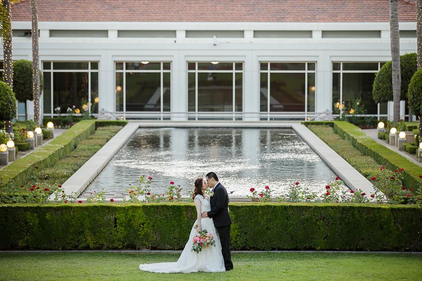 nixon library bride and groom kiss.jpg