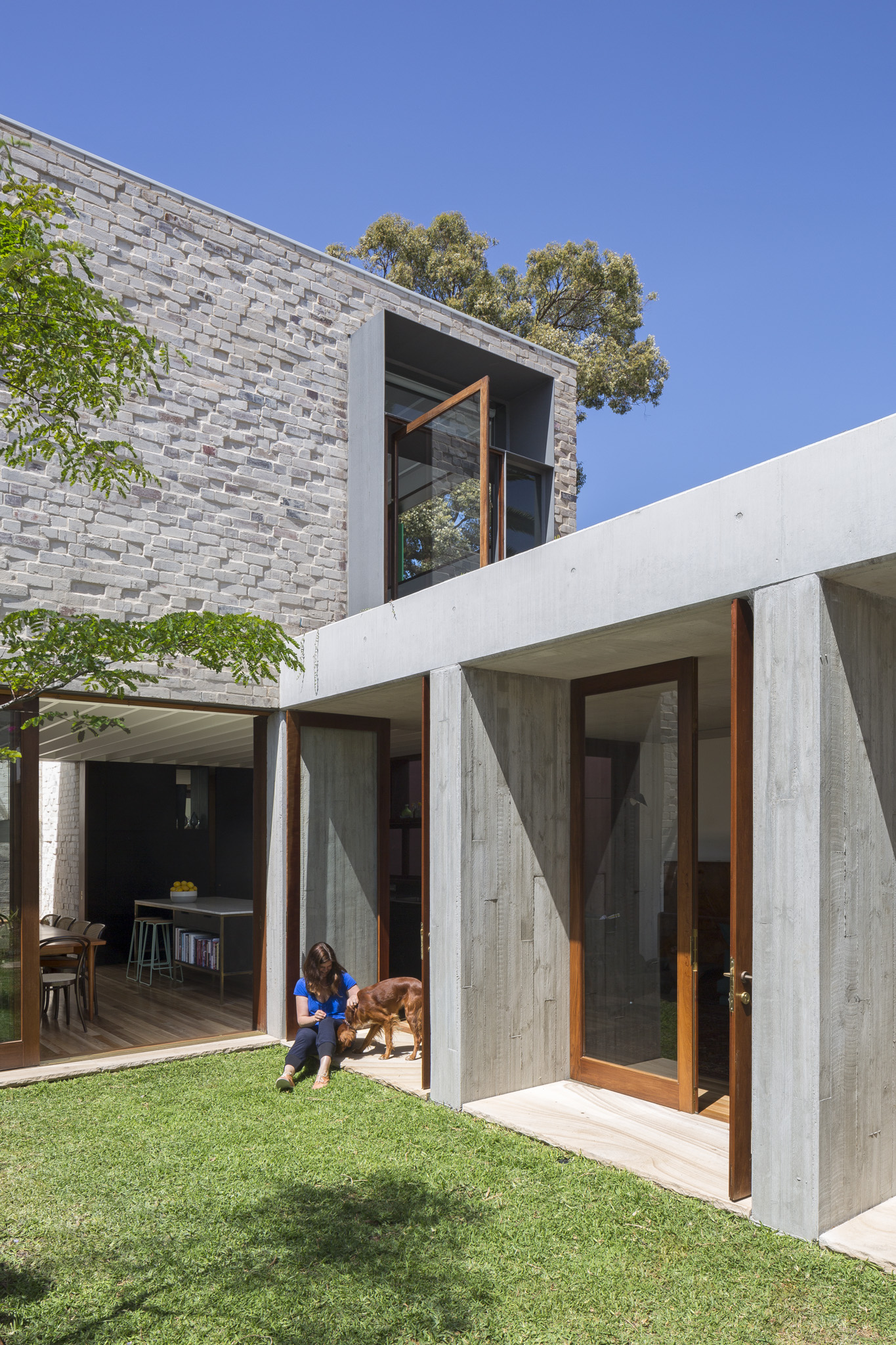Courtyard House by Aileen Sage