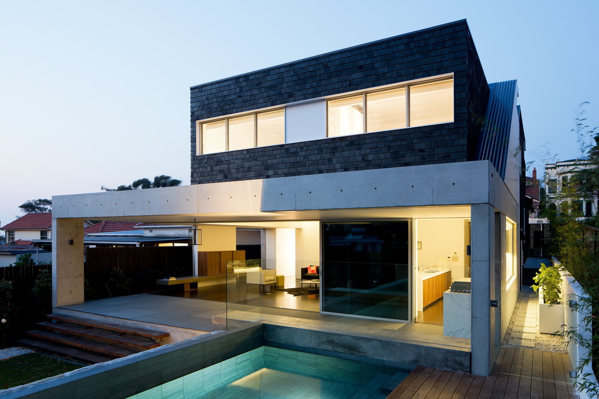 Black House by MCK Architects